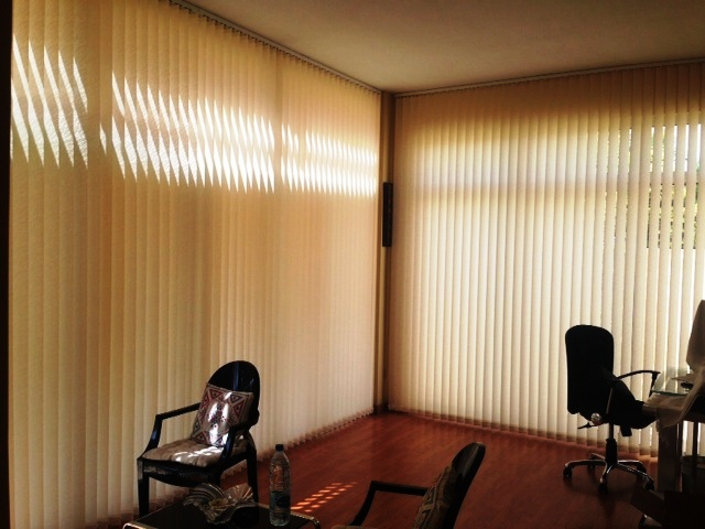 Vertical blinds in dubai made to measure