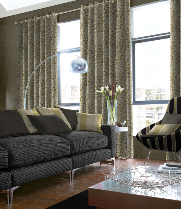 vases and curtains, curtains and flowers, green shade curtains
