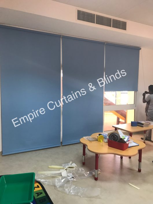 Roller blinds in dubai buy